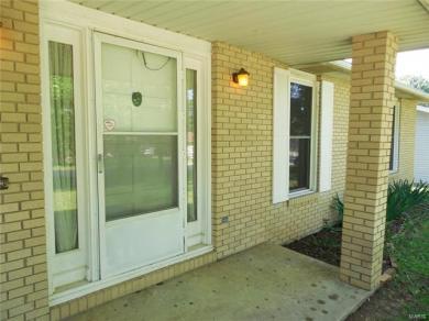 518 Kyle Avenue, St James, MO 65559