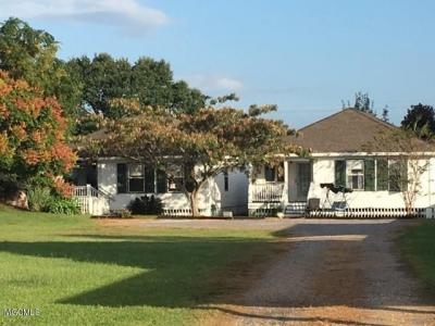 Photo of 126 W Scenic Dr, Pass Christian, MS 39571