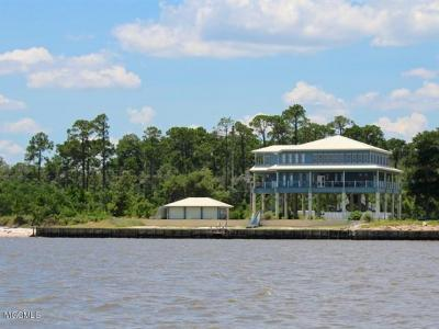 Photo of 5105 E Belle Fontaine Dr, Ocean Springs, MS 39564