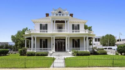 Photo of 770 Jackson St, Biloxi, MS 39530
