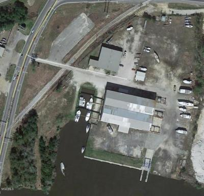 Photo of 14039 Seaway Rd, Gulfport, MS 39503