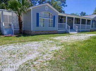 Photo of 2004 Ladner St, Waveland, MS 39576