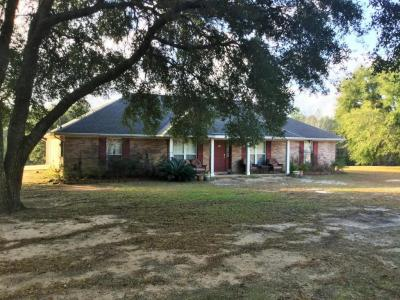 Photo of 14601 Constitution Rd, Moss Point, MS 39562