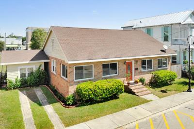 Photo of 109 Court St, Bay St. Louis, MS 39520
