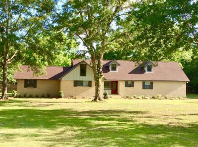 Photo of 8012 Coleman Homestead Rd, Moss Point, MS 39562