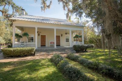 Photo of 13160 Old Woolmarket Rd, Biloxi, MS 39532