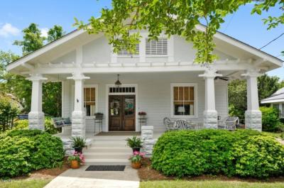 Photo of 106 Carroll Ave, Bay St. Louis, MS 39520