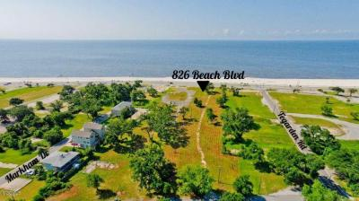 Photo of 826 Beach Dr, Gulfport, MS 39507