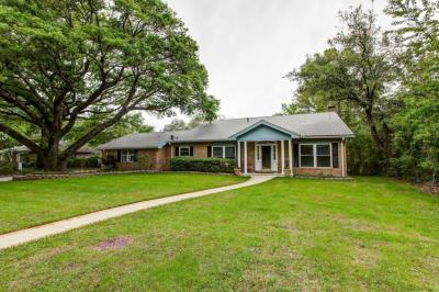 Photo of 3807 Riverwood Dr, Moss Point, MS 39563