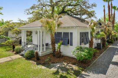 Photo of 328 Main St, Bay St. Louis, MS 39520