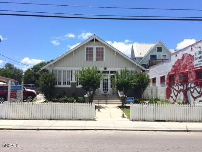 Photo of 216 Main St, Bay St. Louis, MS 39520