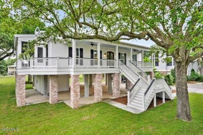 Photo of 102 Beverly Dr, Bay St. Louis, MS 39520