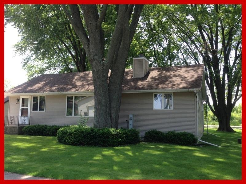 W8129 Elm Point Rd, Lake Mills, WI 53551