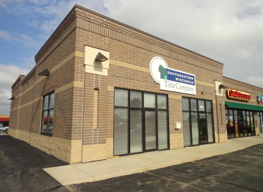 1020 N Wisconsin St, Elkhorn, WI 53121