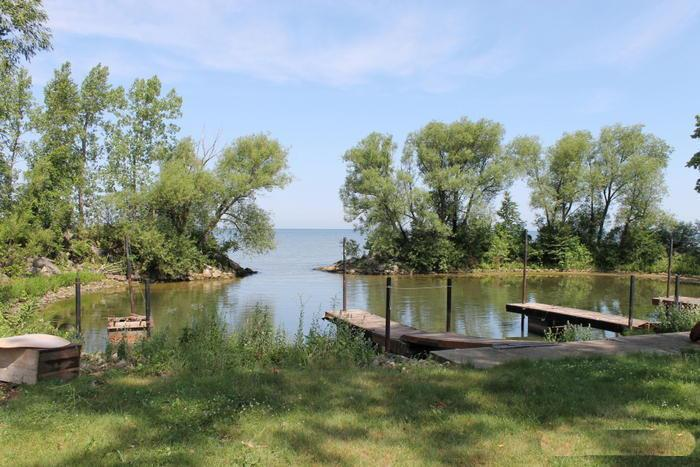 8833-8841 Wellers Ln, Red River, WI 54217