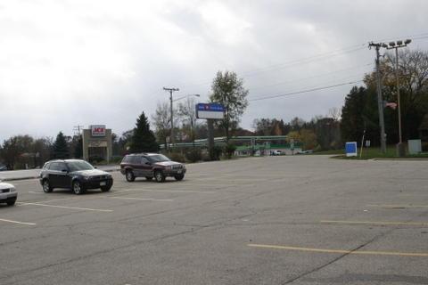 508 N Lake Ave, Twin Lakes, WI 53181