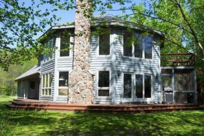 Photo of 140 Hidden Bluff Rd, Belgium, WI 53013