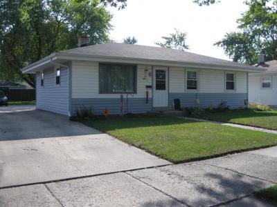 Photo of 2707 Lincolnwood Dr, Racine, WI 53403