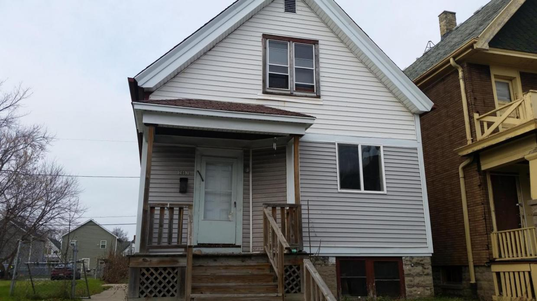 2857 N 20th St, Milwaukee, WI 53206