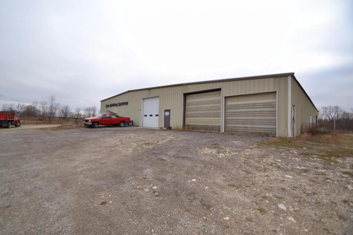 2597 S Main St, West Bend, WI 53095