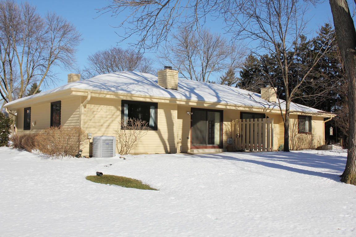 Don't Miss Out on This Ranch Condo in Mequon WI!