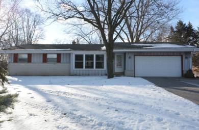 21435 Doneswood Dr, Brookfield, WI 53186
