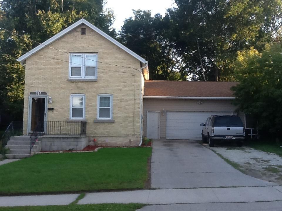 917 Division St., Manitowoc, WI 54220