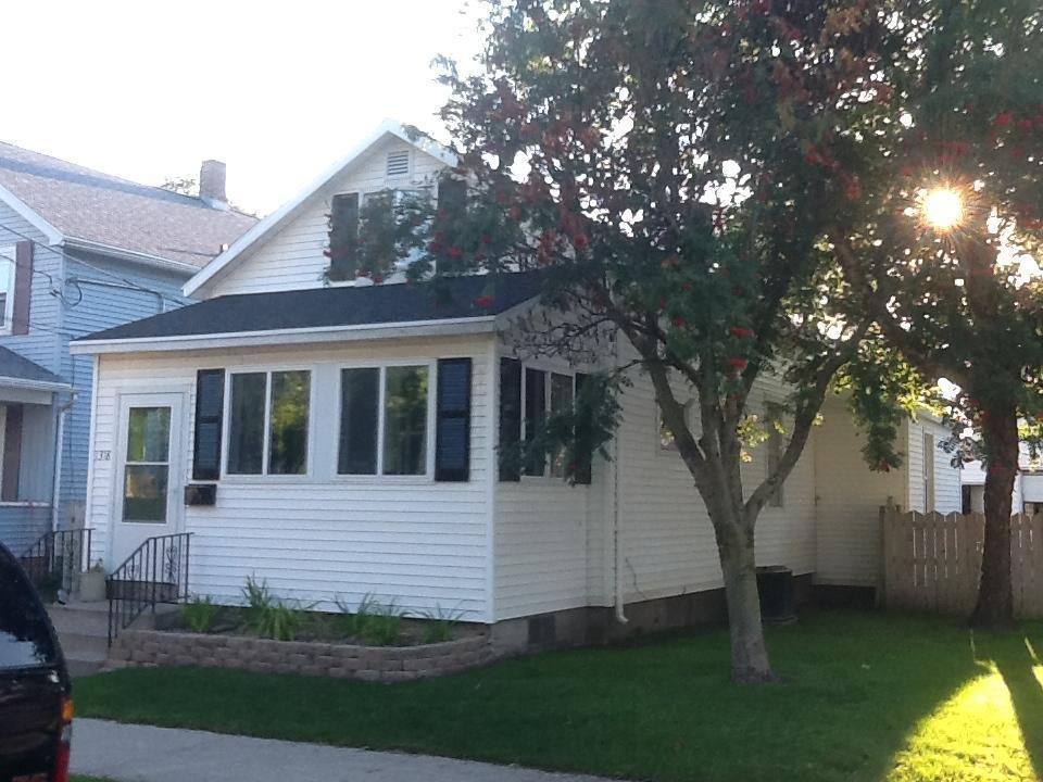 1318 S 19th St., Manitowoc, WI 54220
