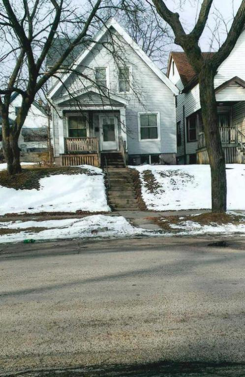 2919 N Palmer St, Milwaukee, WI 53212