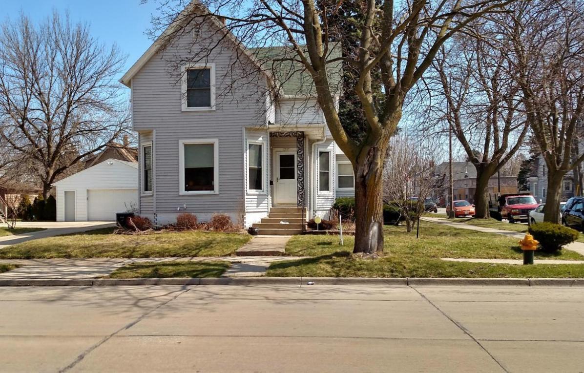 1547 Grand Ave, Racine, WI 53403