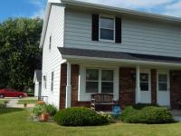 1430 Honeysuckle Rd, Hartford, WI 53027