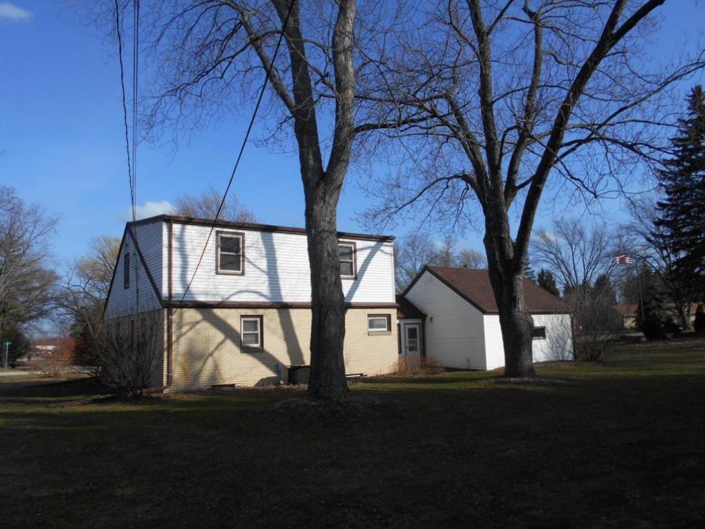 4425 N 134th St, Brookfield, WI 53005