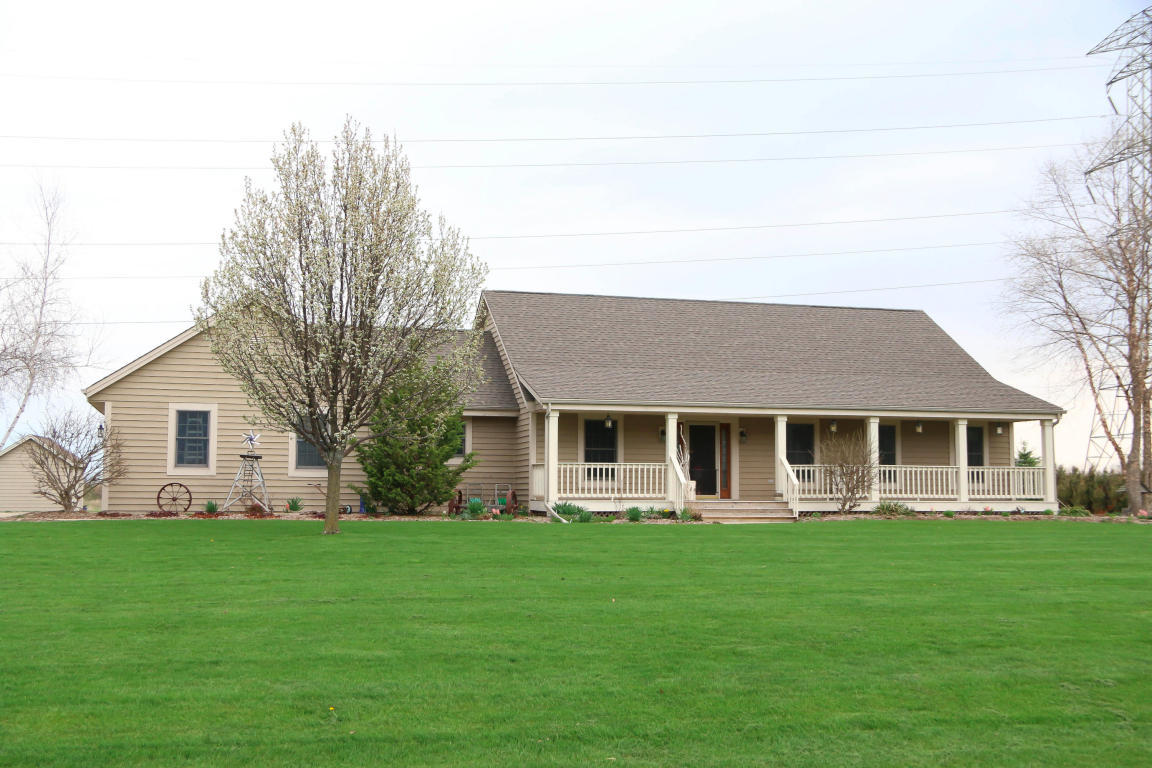 New Listing in Lisbon WI!