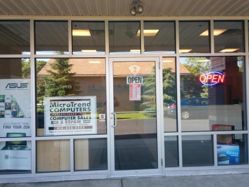 10009 Northwestern Ave, Caledonia, WI 53126