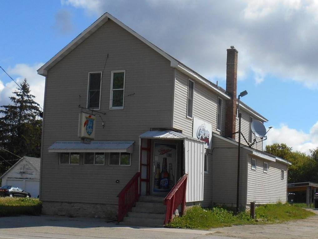 N5268 County Road A, Oak Grove, WI 53039