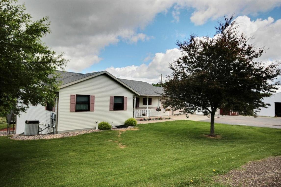 W5710 County Road D, Farmington, WI 54636