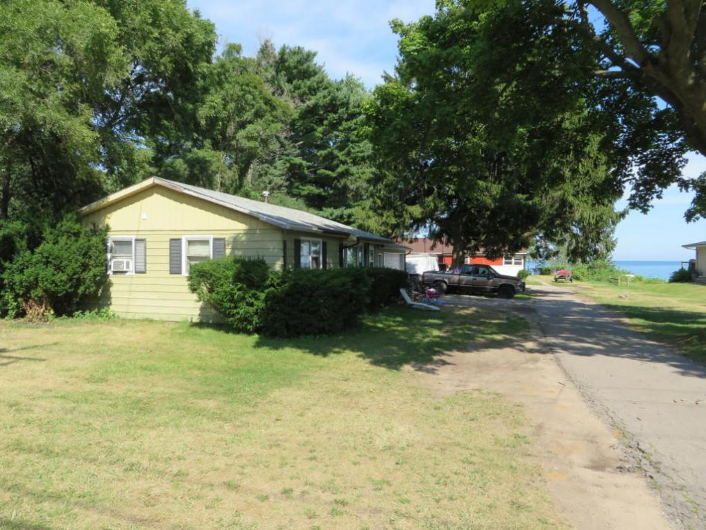 813 Sheridan Rd, Somers, WI 53140
