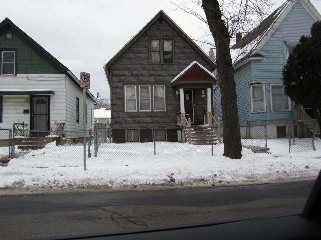 3312 N 12th St, Milwaukee, WI 53206