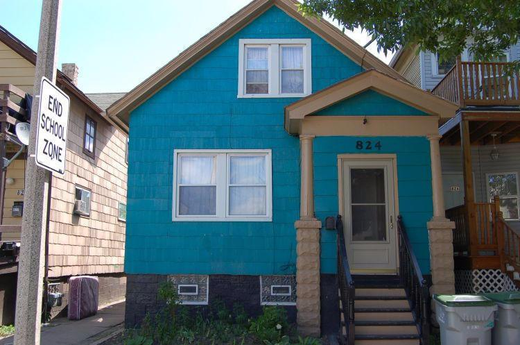 824 S 21st St, Milwaukee, WI 53204