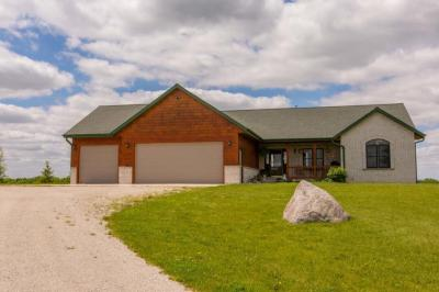 Photo of W2937 La Follette Rd, Lebanon, WI 53059