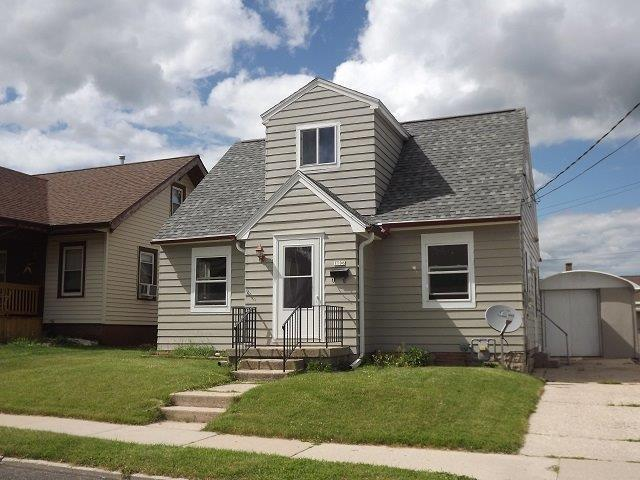 1106 Division St, Manitowoc, WI 54220