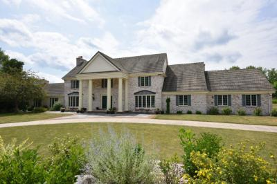 Photo of 8975 N Green Brook Rd, River Hills, WI 53217