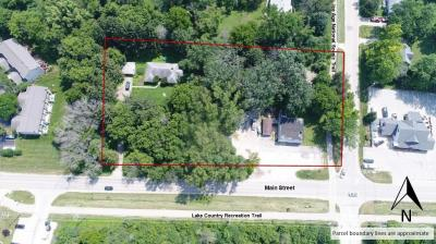 Photo of 28 W Main St, Delafield, WI 53018