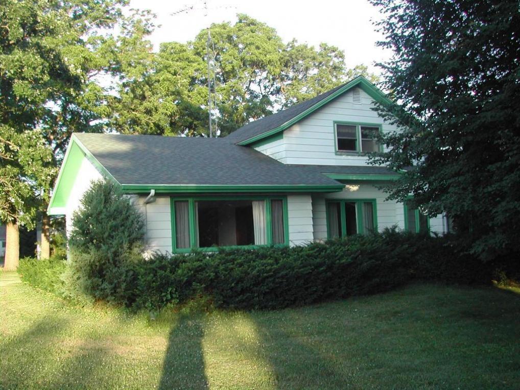 525 Marsh Rd, Elkhorn, WI 53121