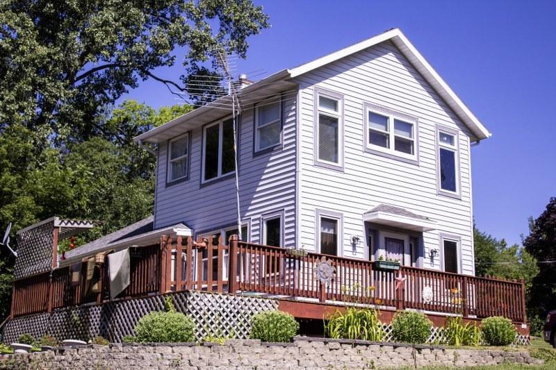 122 Sunnyside Ct, Williams Bay, WI 53191