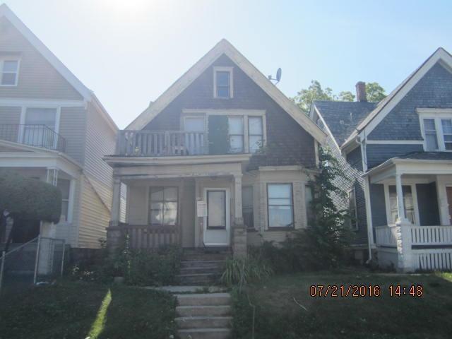 3229 N 14th St, Milwaukee, WI 53206