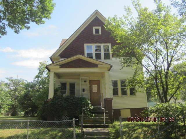 1725 W Clarke St, Milwaukee, WI 53206