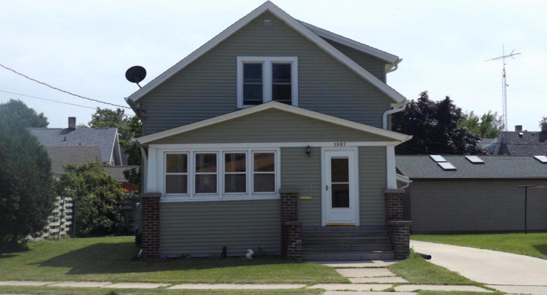 1907 Western Ave, Manitowoc, WI 54220