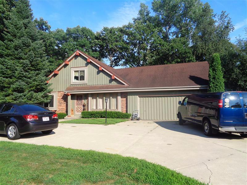 W596 Hillcrest Dr, Bloomfield, WI 53128
