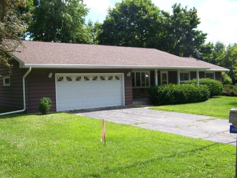 712 Wisconsin St, Adell, WI 53001